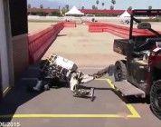 Caídas de robots en el DARPA Robotics Challenge