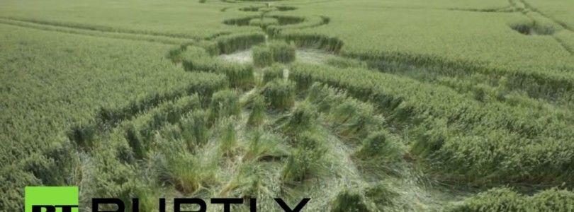 """Vídeo en dron mostrando las marcas """"extraterrestres"""" en los campos americanos"""