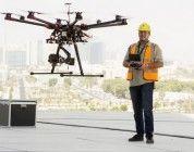 Usan drones con cámaras termales para localizar malos aislamientos en las Torres Etihad en Abu Dhabi